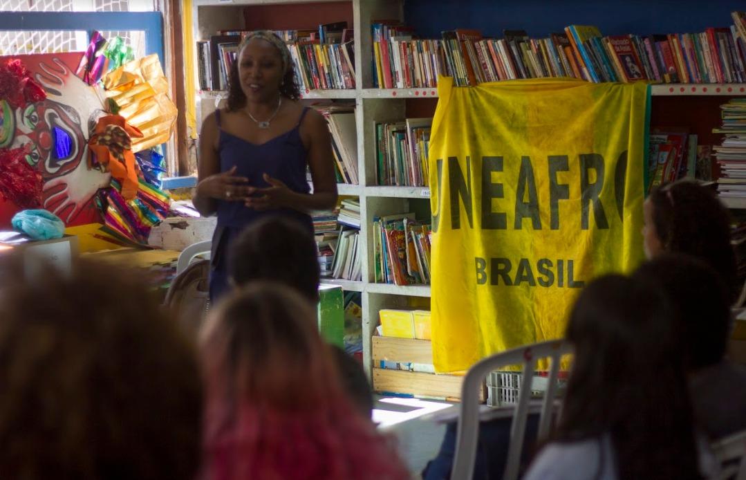 Fortaleça a educação: seja professor/a voluntário/a da Uneafro