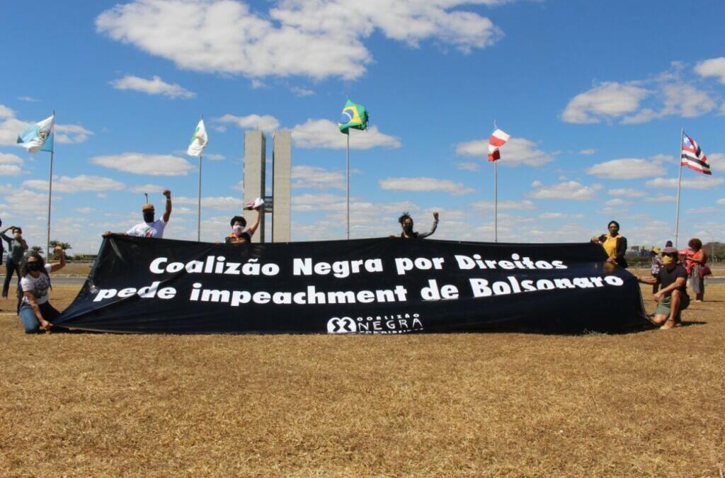 Coalizão Negra Por Direitos inclui ausência de plano de vacinação e colapso na saúde em seu pedido de Impeachment contra Bolsonaro